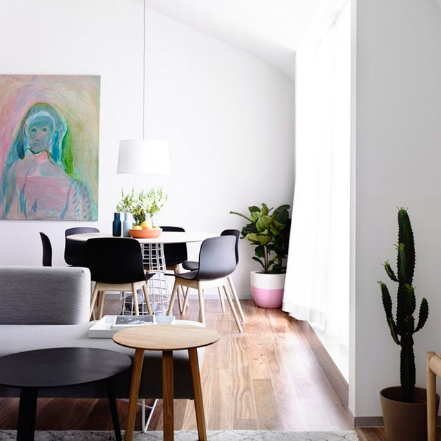 Visit a Modern Melbourne Apartment With Striking Lines