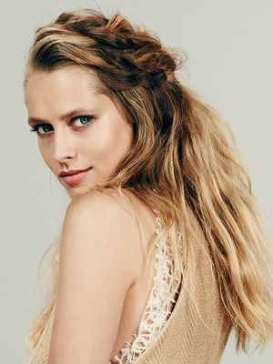 Exclusive: Teresa Palmer Schools Us on Effortless Summer Beauty