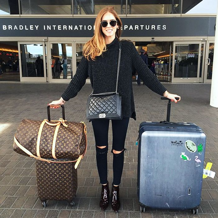 67f0b184423 The 8 Most Comfortable Clothes to Wear to the Airport