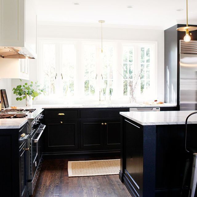 Before and After: A Crowded Kitchen Gets a Classic Redesign