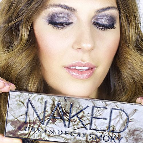 This Vlogger Creates a STUNNING Look With the New Naked Smoky Palette