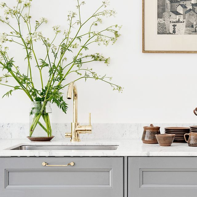 Inside a Bright Apartment With an Inspiring Kitchen