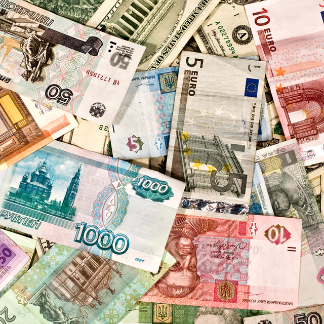 6 Ways to Exchange Your U.S. Currency on the Cheap