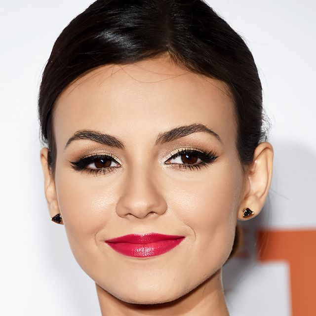 Victoria Justice Nails the Raspberry-Red Lip + More Celeb Beauty