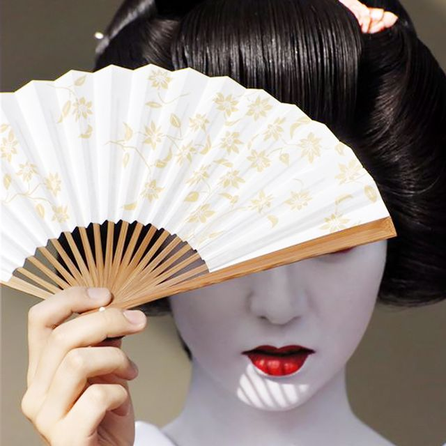 Inside the Fascinating Beauty Routine of Modern-Day Geishas