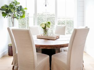 Beach Chic Meets Farmhouse Style in This California Home