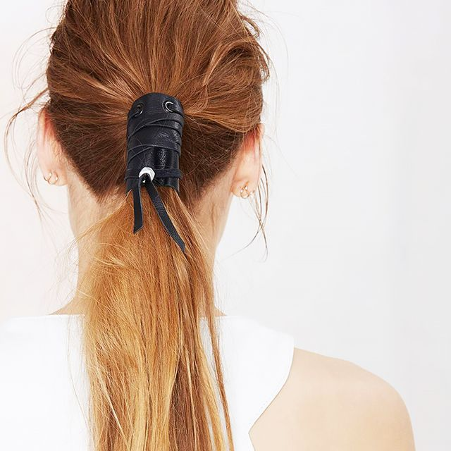 7 Effortless Hairstyles for Frizzy Hair