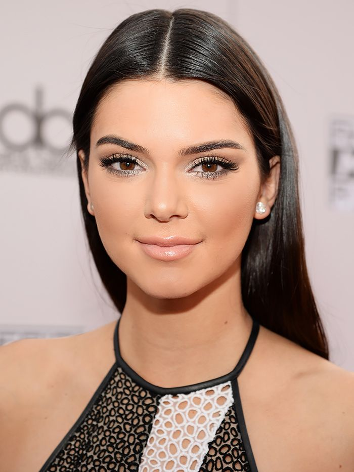 4 Contouring Secrets From Kendall Jenners Makeup Artist -7404