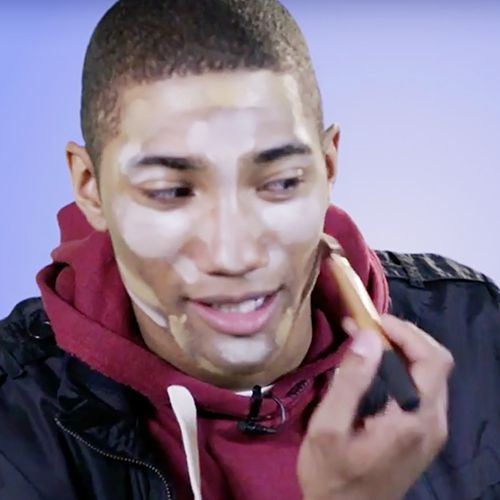 Watch These Clueless Guys Try to Contour