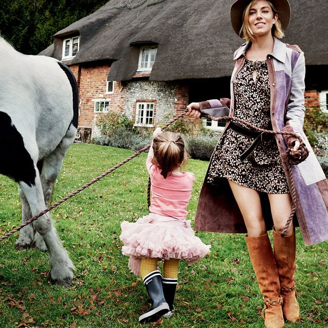 "Vogue Takes Us Inside Sienna Miller's Completely ""Normal"" Life"