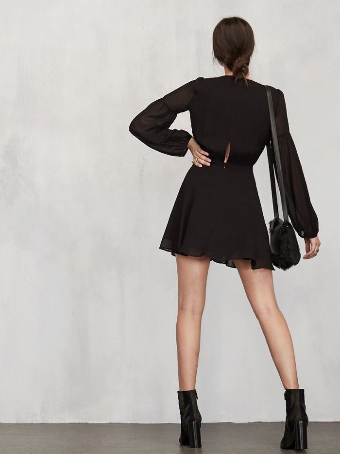 715fbfa00a7 9 Babe-Status Black Dresses From Reformation