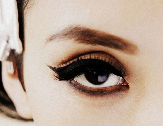 Tip of the Day: Refine Your Mascara Technique