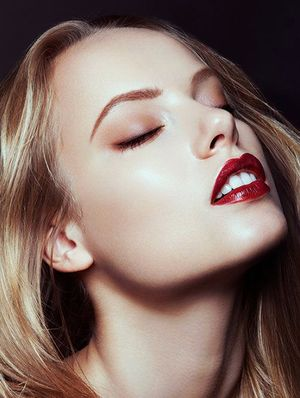 Tip of the Day: The Most Surprising & Effective Way to Combat Shine