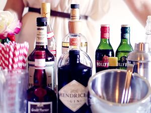 How to Set Up Your Bar in 7 Easy Steps