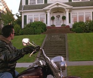 Who Wants to Turn the Twin Peaks House Into a B&B?