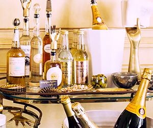 Kelly Wearstler Shares Gorgeous Ideas For a Chic Home Bar
