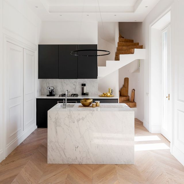 Inside a chic italian apartment that s anything but for Interior designer roma
