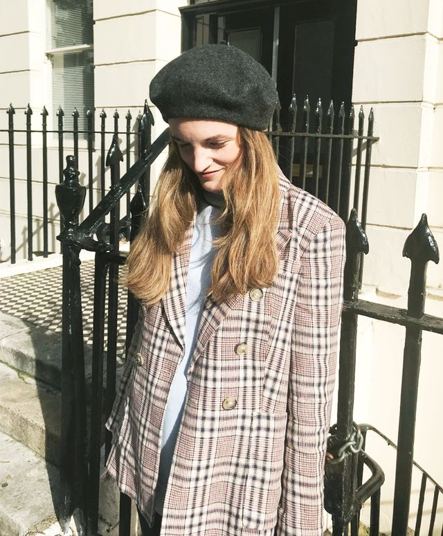 How to wear a beret: Grey beret
