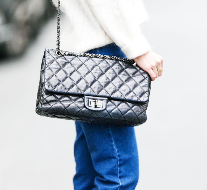 Chanel bags: a black version of the 2.55 bag on the streets of Paris