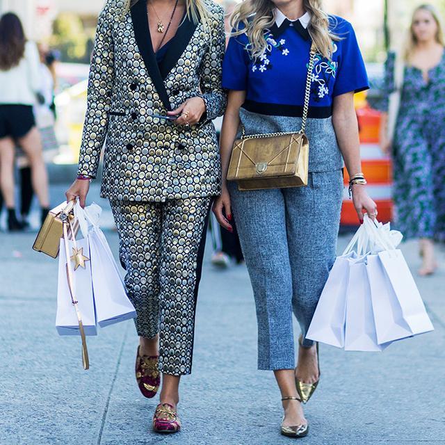 How to return an item: women carrying shopping bags