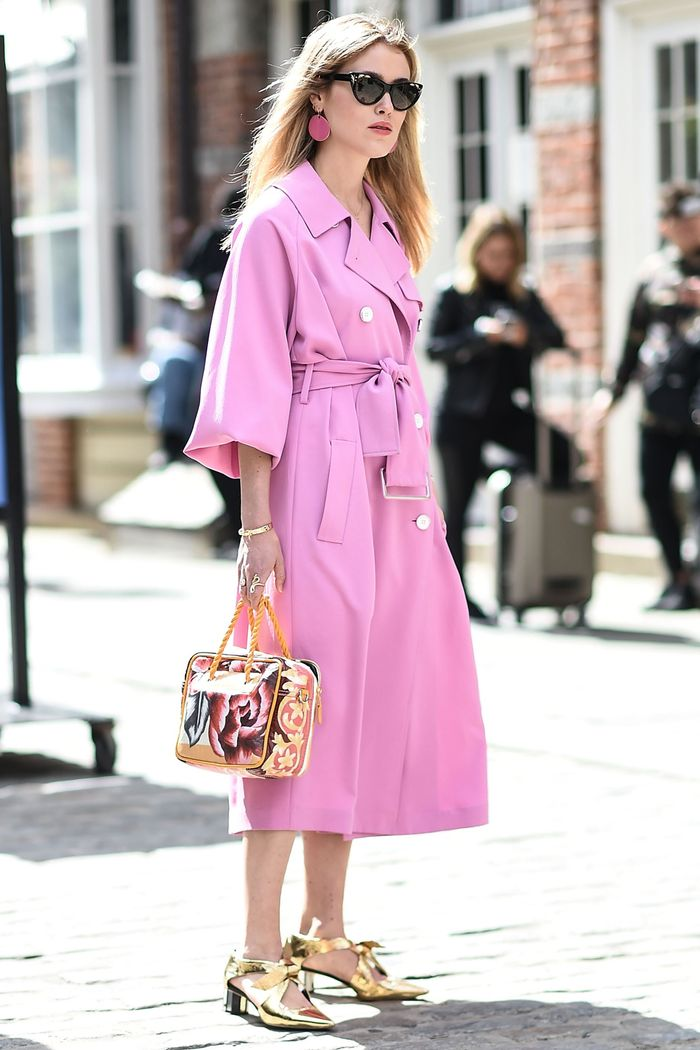 What to Wear With Every Shoe Colour: Metallic gold shoes work well with pastel pinks