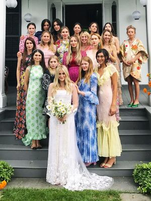 17 Celebrity Bridesmaids That Looked Incredible but Didn't Show Up the Bride