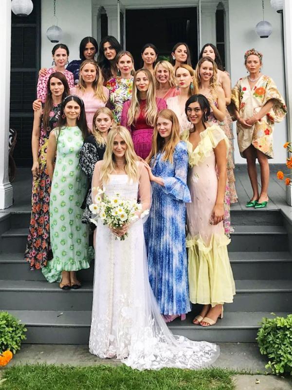 Celebrity bridesmaids dresses: Mary-Kate and Ashley Olsen