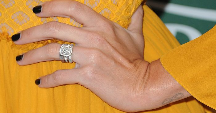 Engagement Etiquette: Ring Reveals To Party Outfits