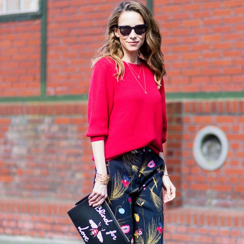Colours That Suit Brunettes: Bold red on the streets of fashion week