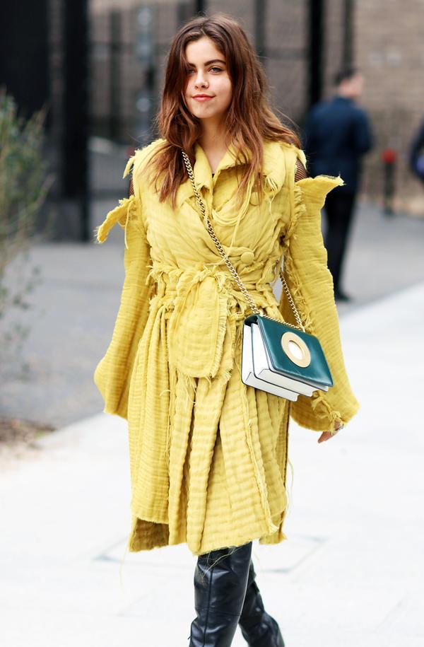Colours That Suit Brunettes