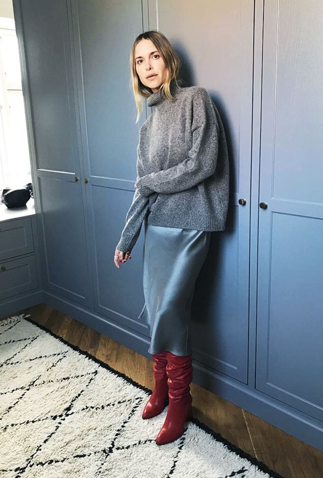 Cropped-Jumper Outfit Ideas How to Wear a Cropped Sweater   WhoWhatWear UK
