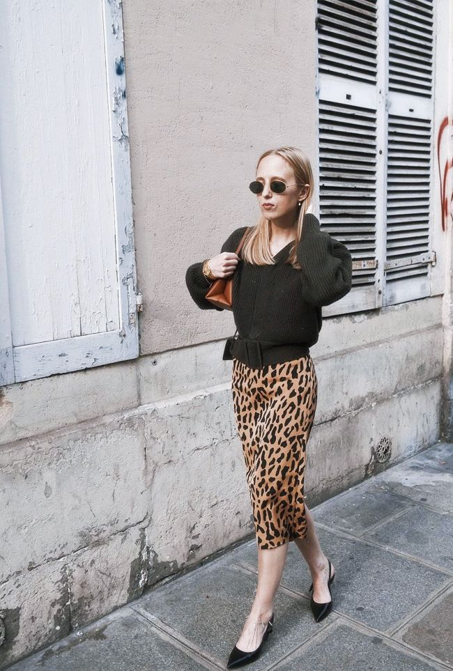 Cropped jumper outfit ideas: how to wear a cropped sweater
