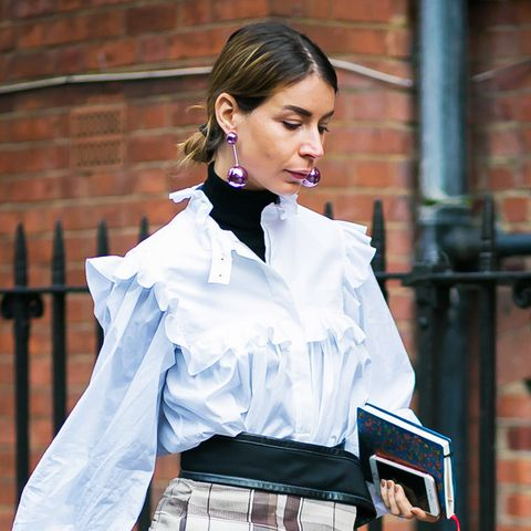 How to wear a turtleneck: ruffled blouses