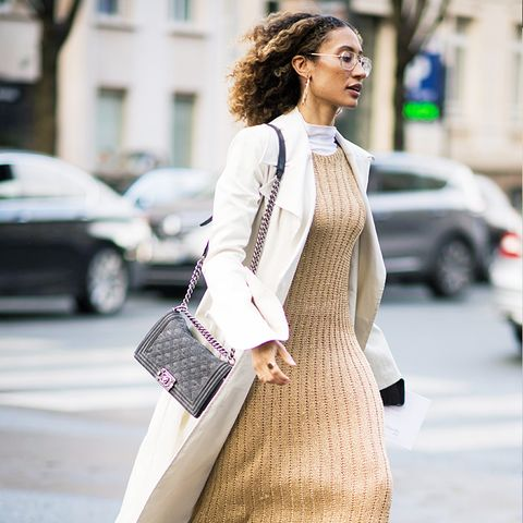 how to wear camel clothing: knitted dress with boots and white trench coat