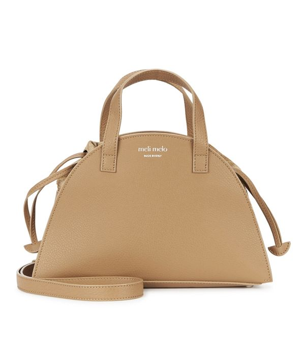 how to wear camel clothing: Meli Melo Giada Mini Caramel Leather Tote