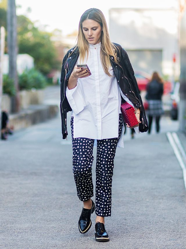 How to Wear a Leather Jacket: White shirt + patterned pants + brogues