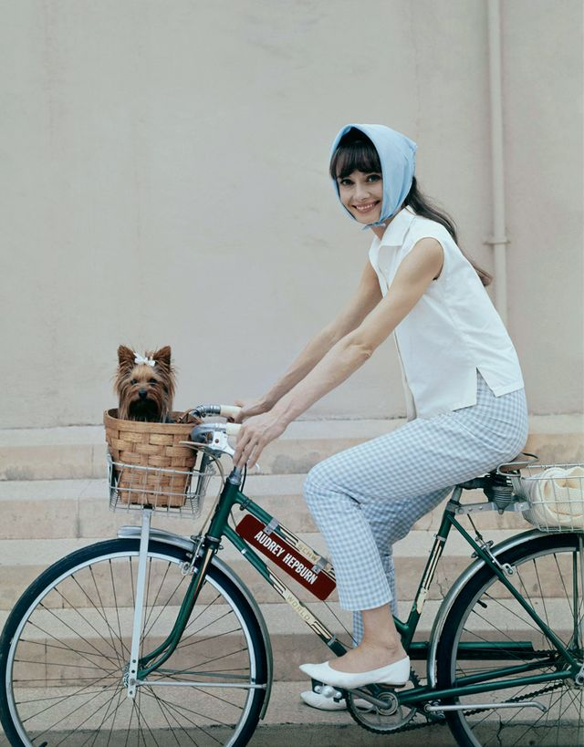 Audrey Hepburn style: Cropped trousers