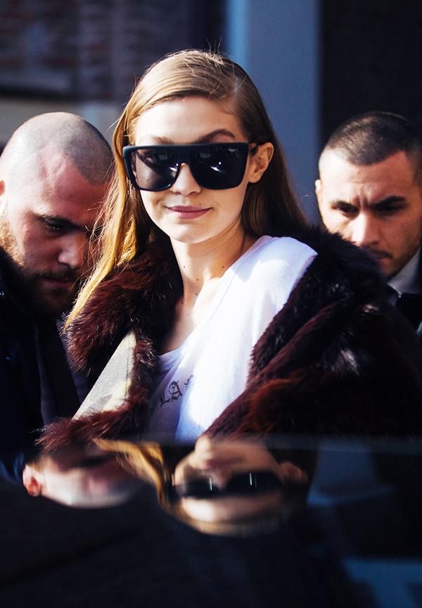 Gigi Hadid Sunglasses: Quay Australia oversized glasses