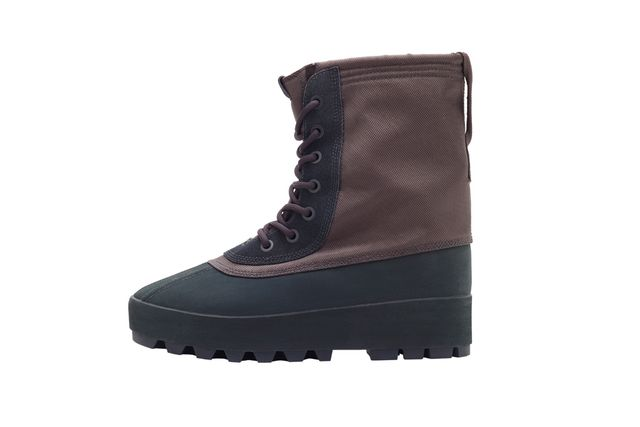 Matches Yeezy 950 Boots