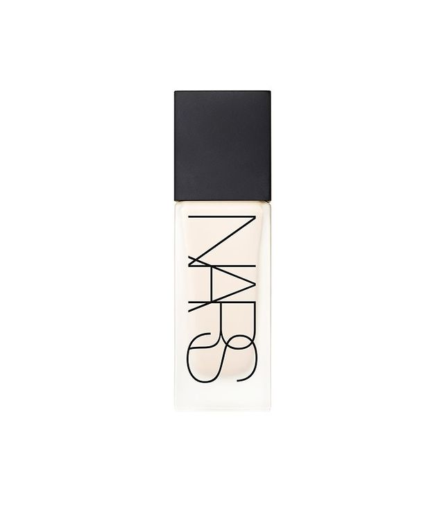 how-to-apply-foundation-nars-sheer-glow