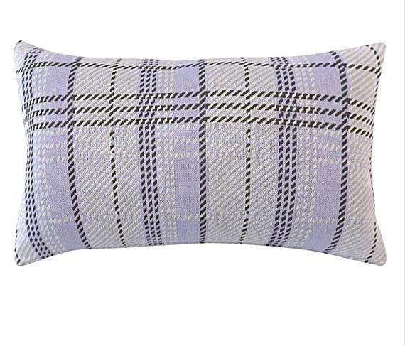DG37 Plaid Knit Cushion