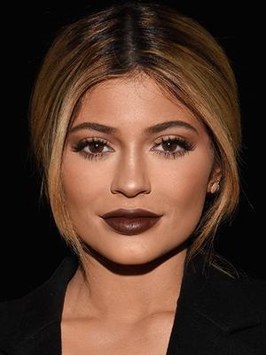Inside Kylie Jenner's Travel Beauty Bag