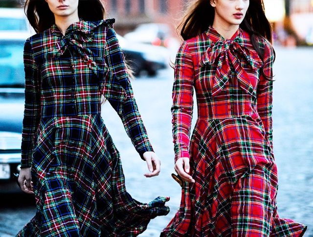 Head-to-toe traditional tartan? She who dares… Keep other accessories to a bare minimum and stick to naturalmakeup.
