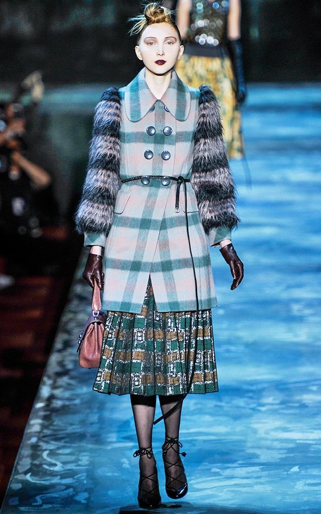 Marc Jacobs A/W 15 Catwalk Notes: Marc Jacobs's winter '15 girl wants ladylike pieces punctuated with leather accessories made for fast-paced city life. Checks and tartans made the collection gel.