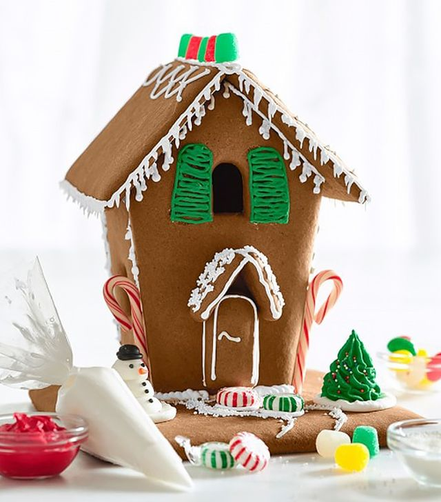 Williams Sonoma Gingerbread House Kit