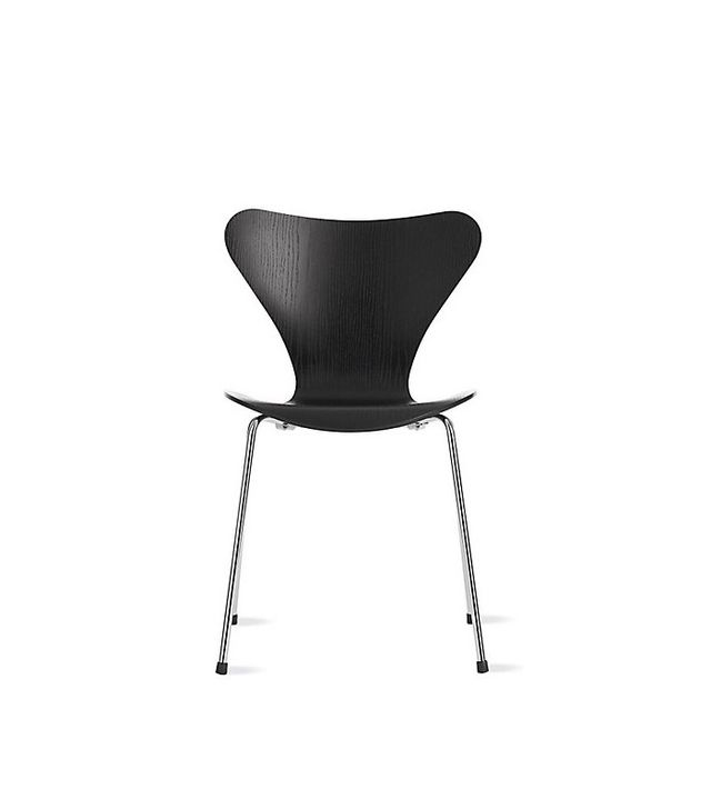 Arne Jacobsen for Fritz Hansen Series 7 Chair in Colored Ash