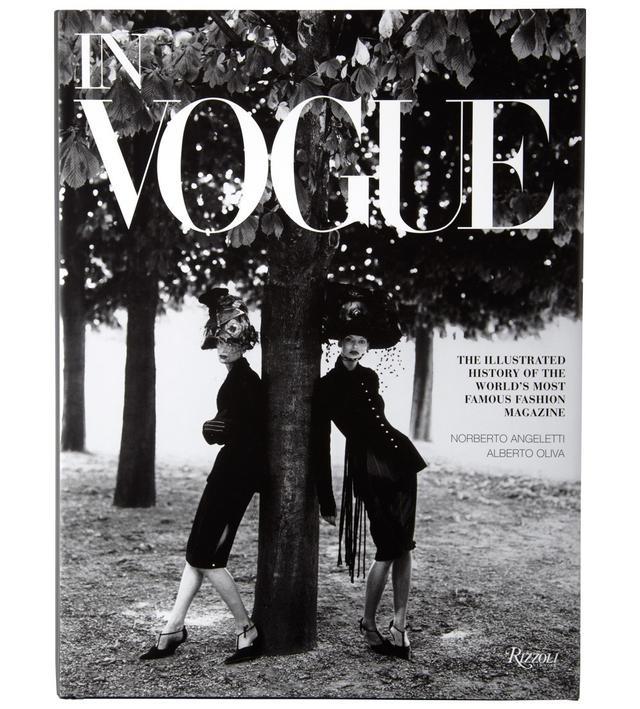 Barnes & Noble In Vogue by Alberto Oliva and Norberto Angeletti