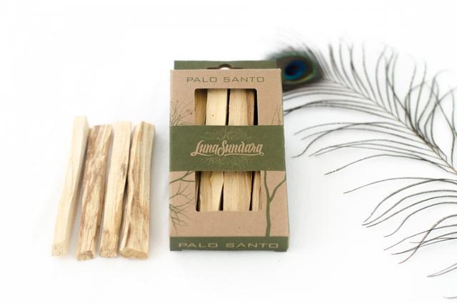 Luna Sundara Palo Santo Smudging Sticks Single Pack