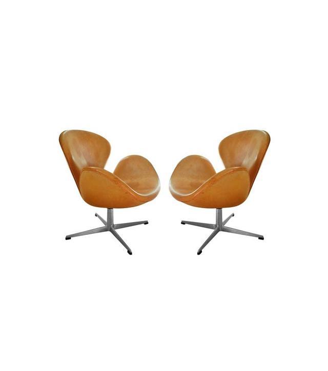 Arne Jacobsen 1963 Swan Chairs