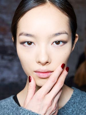 Chic Non-Gel Nail Polish to Wear This Fall